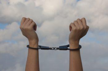 Quanto você merece sofrer?! Os padrões comportamentais que nos aprisionam no sofrimento!